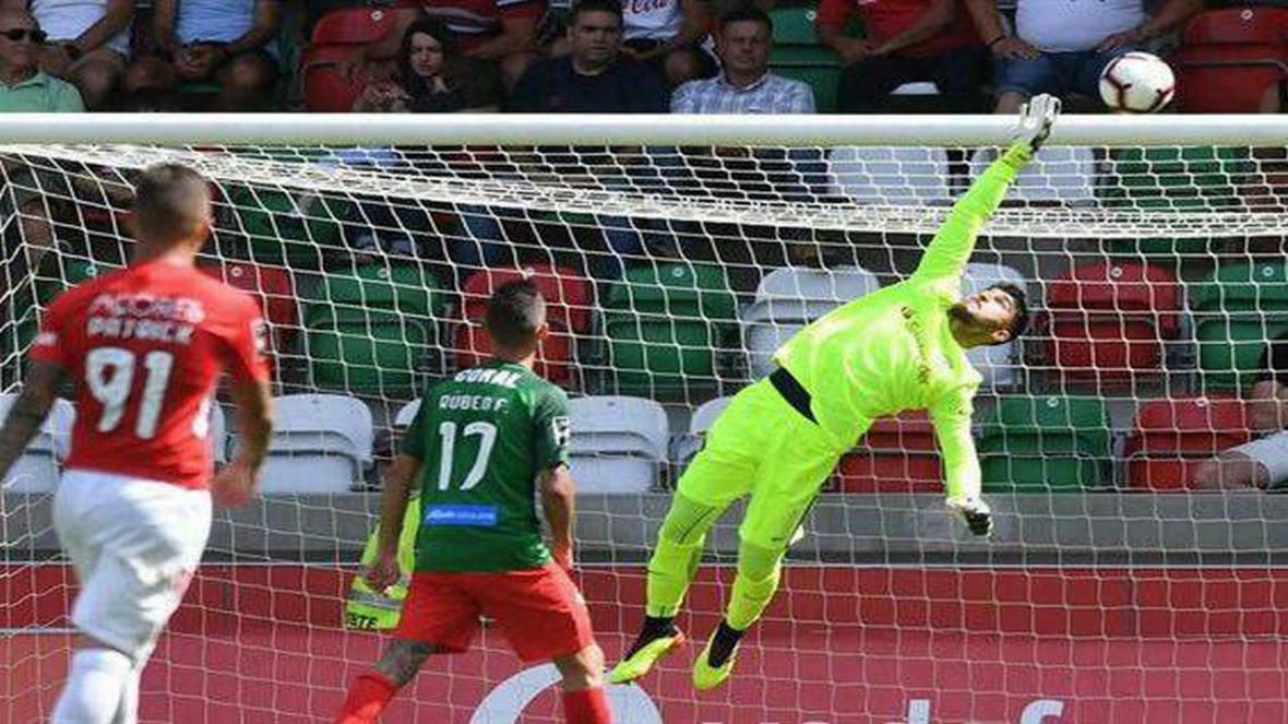 عابدزاده بهترین دروازه بان ماه لیگ فوتبال پرتغال شد